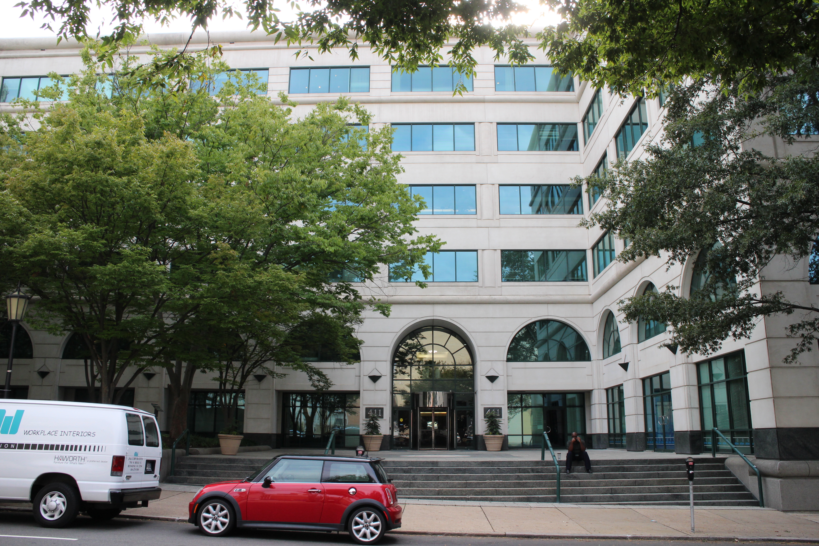 Luring Richmond lawyers Northern Va firm launches new office