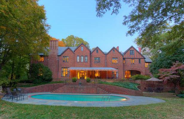Windsor farms mansion listed for 5m richmond bizsense for Richmond gardens pool