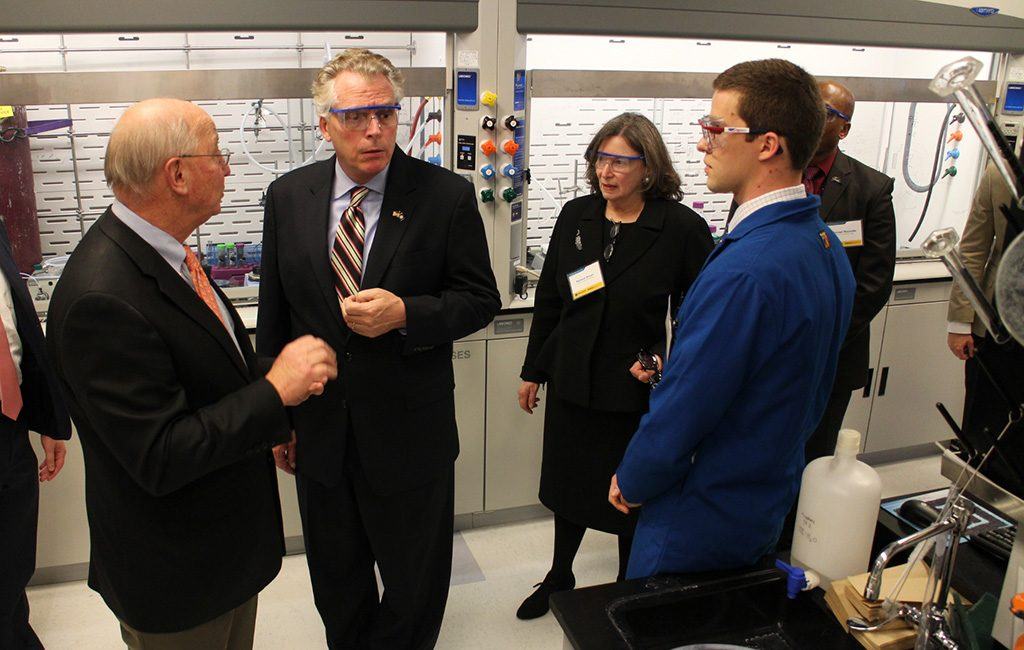 Gov. Terry McAuliffe takes a tour of VCU's new engineering lab. (Jonathan Spiers)