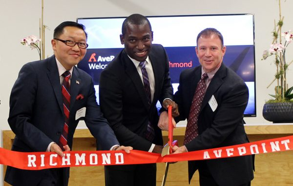 From left: AvePoint CTO Dux Raymond Sy, Mayor Levar Stoney and AvePoint general counsel Brian Brown. (Mike Platania)