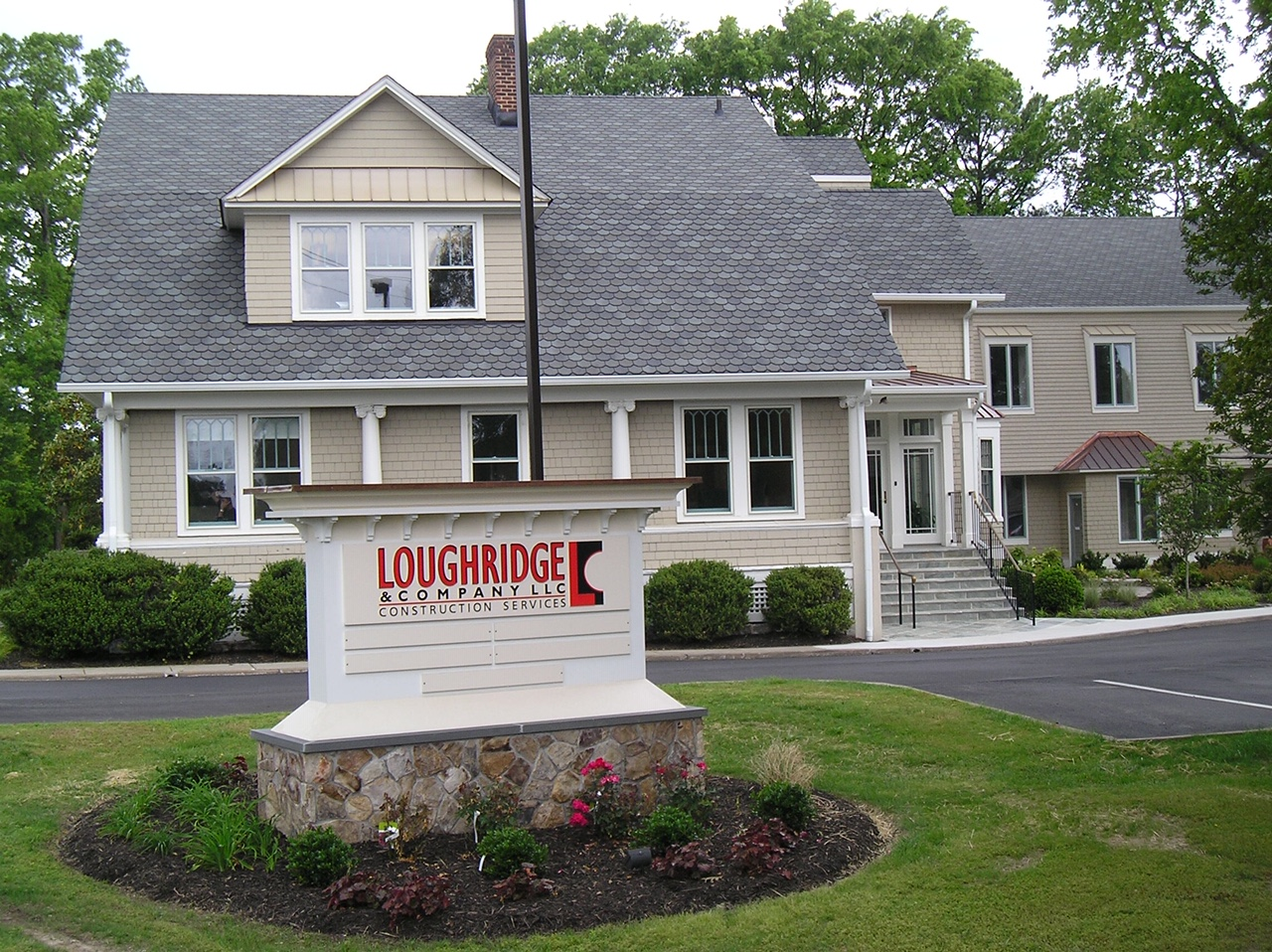 Loughridge sells namesake construction firm to group of employees